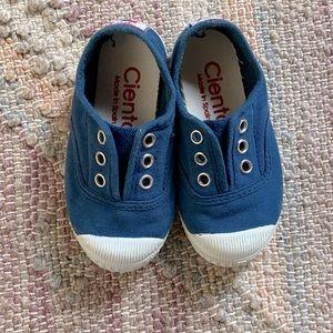 Cienta slip on sneakers 70997